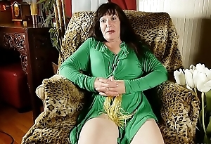 Naughty old spunker loves to fuck her soaking wet pussy for u