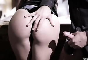 Cute and geeky bespectacled chick receives her pussy fucked