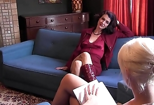 Blonde tolerant Dylan Ryan gets fingers thrust in her cunt on couch